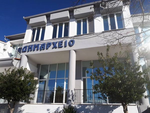 Δεν περνάει η ανίερη συναλλαγή στον Δήμο Φαρκαδόνας