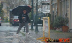 Βροχές και καταιγίδες σε όλη τη χώρα