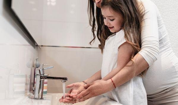 Κορωνοϊός: Οδηγίες για παραμονή παιδιών και εφήβων στο σπίτι