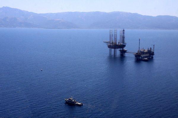 Ιστορική συμφωνία Ελλάδας- Ιταλίας για την οριοθέτηση ΑΟΖ