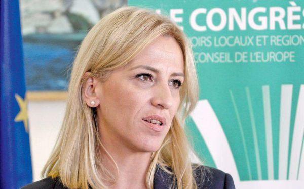 Στα Τρίκαλα η Ρένα Δούρου για εκδήλωση του ΣΥΡΙΖΑ