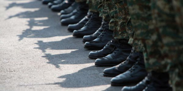 Το χαρτί για το στρατό ετοιμάζουν οι γεννηθέντες του 2004