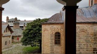Οχτώ επιβεβαιωμένα κρούσματα του κορονοϊού σε Μονή του Αγίου Όρους