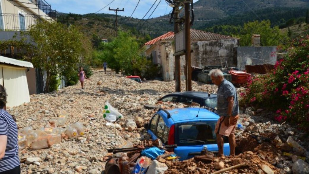 Εικόνες απόλυτης καταστροφής στην Άσσο